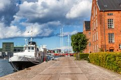 Miasto krajobraz, Kopenhaga, Dani, widok kanałowy Vesterbro Zdjęcia Stock
