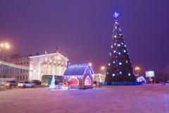 Miasto kwadrat w nowego roku teatrze i drzewie Fotografia Stock