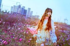 Miasto kwiaty i dziewczyny zdjęcie royalty free
