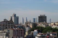 Miasto linia horyzontu Istanbuł przy Beyoglu i Galata okręgiem Obraz Stock