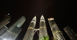 Miasto linia horyzontu Kuala Lumpur, Malezja. Petronas bliźniacze wieże. Zdjęcia Royalty Free