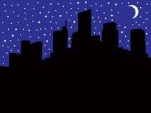 Miasto linia horyzontu Podczas zaciemnienia Obrazy Stock