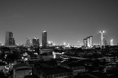 miasto linia horyzontu przy nocą Zdjęcia Royalty Free