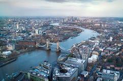 Miasto Londyńska panorama przy zmierzchem, Obraz Royalty Free