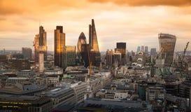 Miasto Londyn, biznesu i bankowości aria, Londyn panorama w słońce secie Obrazy Stock