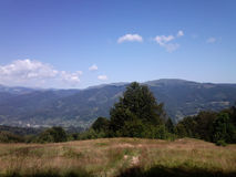 Miasto między górami zdjęcia royalty free