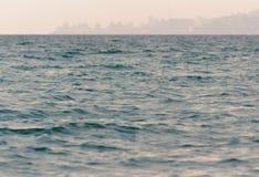 Miasto na dennym wybrzeżu Fotografia Royalty Free