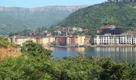 Miasto na jeziorze Obrazy Royalty Free