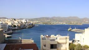 Miasto nadmorski widokiem Agios Nikolaos w Crete wyspie Fotografia Royalty Free