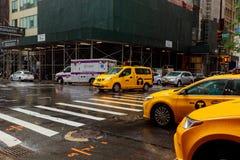 Miasto Nowy Jork 01 augusr 2017: USA, Nowy Jork, Manhattan, środek miasta, 5th aleja, godzina szczytu ruch drogowy Zdjęcie Stock