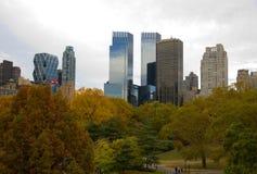 Miasto Nowy Jork central park w jesieni i linia horyzontu Zdjęcie Stock