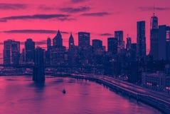 Miasto Nowy Jork linia horyzontu budynki w menchiach i błękicie fotografia royalty free
