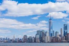 Miasto Nowy Jork linia horyzontu w Manhattan śródmieściu z One World Trade Center i drapacz chmur na słonecznego dnia usa obraz royalty free