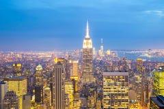 Miasto Nowy Jork linii horyzontu półmrok. Fotografia Royalty Free