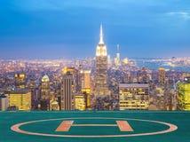 Miasto Nowy Jork linii horyzontu półmrok Obrazy Royalty Free