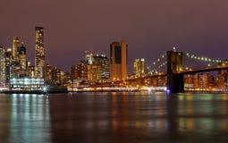 Miasto Nowy Jork Manhattan budynków linii horyzontu nocy wieczór Fotografia Stock