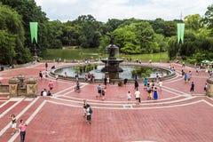 Miasto Nowy Jork, NY/USA - około Lipiec 2015: Bethesda fontanna przy centrum handlowym central park, Miasto Nowy Jork fotografia stock