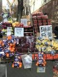 Miasto Nowy Jork Owocowy stojak Zdjęcie Royalty Free