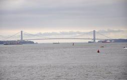 Miasto Nowy Jork, Sierpień 2nd: przesmyka most nad hudsonem na dramatycznym niebie od Miasto Nowy Jork Obrazy Royalty Free