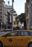 Miasto Nowy Jork, Sierpień 2nd: Taxi samochód od Manhattan w Miasto Nowy Jork Obraz Stock