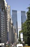 Miasto Nowy Jork, Sierpień 2nd: Uliczny widok z Time Warner centrum w Miasto Nowy Jork Zdjęcie Stock