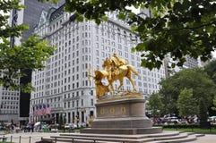 Miasto Nowy Jork, 1st Lipiec: Placu hotel w Uroczystym wojsko placu od środka miasta Manhattan od Miasto Nowy Jork w Stany Zjedno obraz royalty free