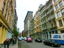 Miasto Nowy Jork, Stany Zjednoczone Ameryka, Maj - 02, 2016: Starzy budynki mieszkalni z pożarniczej ucieczki schodkami w Soho Zdjęcia Stock