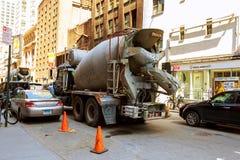 MIASTO NOWY JORK, usa - 04, 2017: Budowa Drogi i Drogowe pracy w Manhattan Zdjęcie Stock