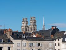 Miasto Orléans Widok na domach i katedrze fotografia stock