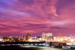 Miasto pod krwionośnym niebem Obraz Royalty Free