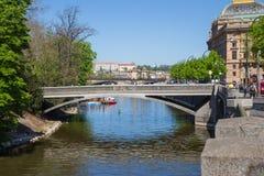 Miasto Praga, republika czech Widok most od rzecznego Vltava i rzeka Wiosna 2019 24 fartuch Podr??y fotografia zdjęcia royalty free