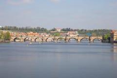 Miasto Praga, republika czech Widok mosty od rzecznego Vltava i rzeka Wiosna 2019 24 fartuch Podr??y fotografia fotografia stock