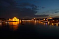 Miasto przy nocą w Budapest Obraz Royalty Free