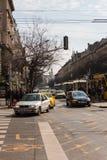 Miasto ruch drogowy na ulicach Budapest, Węgry Zdjęcia Stock