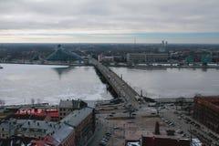 Miasto, rzeka i most, łotwa Riga Zdjęcia Royalty Free