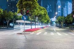 Miasto ulicy przy nocą Zdjęcie Stock