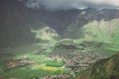 Miasto w góra pięknym widoku z lotu ptaka obrazy stock