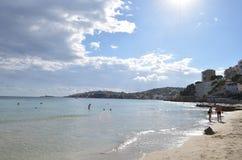 Miasto widok od Cala Ważnej plaży w Palmie de Mallorca, Hiszpania obraz royalty free