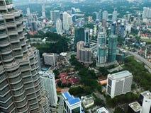 Miasto widok z bliźniaczą wieżą obraz royalty free