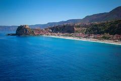 Miasto z plażą morze Obrazy Royalty Free