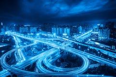 miasto zmiany inter wiadukt przy nocą w Shanghai, bluetone Obraz Royalty Free