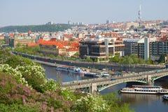 Miastowa sceneria na pogodnym Kwietnia dniu Praga, republika czech Zdjęcia Stock