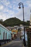 Miastowe Scenics ulicy - Kolorowe ulicy od Małego miasteczka, Meksyk Obrazy Stock
