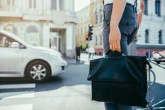 Miastowego ruchliwie stylu życia miasta crosswalk uliczny pracownik fotografia stock