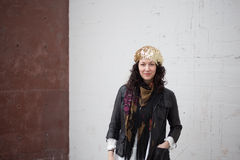Miastowy artystyczny mody, bielu i czerwieni tło, Fotografia Stock
