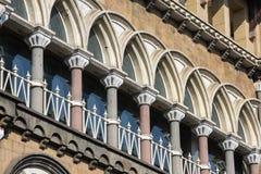 Miastowy budynek, fasada wzór Mumbai indu Zdjęcia Royalty Free