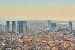 Miastowy krajobraz europejczyk strona Istanbuł i Bosphorus cieśnina na horyzoncie Nowożytna część miasto z biznesem góruje Zdjęcie Royalty Free