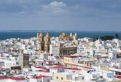 Miastowy widok nad dachami Cadiz, Hiszpania fotografia royalty free