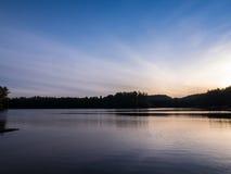 Miauczenie jezioro Snset Obraz Royalty Free