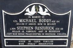Michael Boddy et Stephen Restorick Plaque à Peterborough images stock